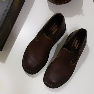 Mens GBX Brown Shoes sz 9 EUC